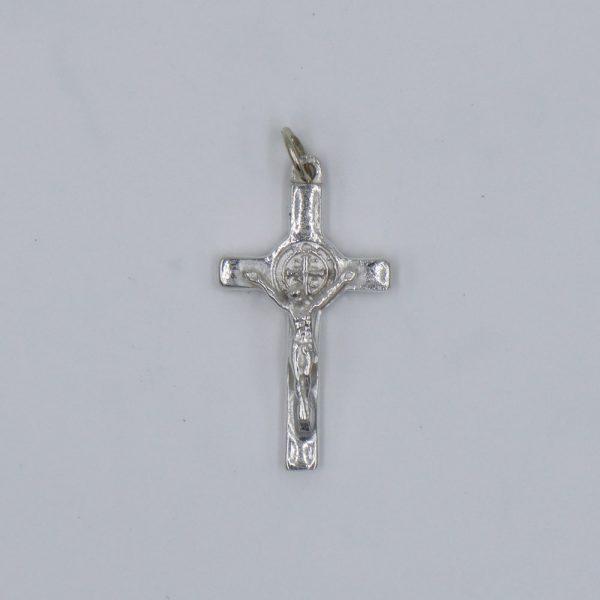 Cruz Cristo Crucificado y San Benito